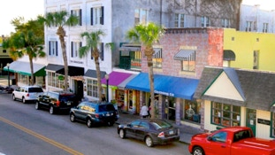 Mount Dora is an easy drive from your InnHouse vacation home in Orlando.